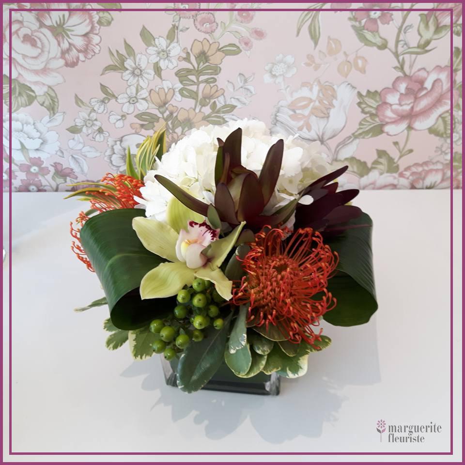 Bouquet d'orchidée, pincushion et hydrangé