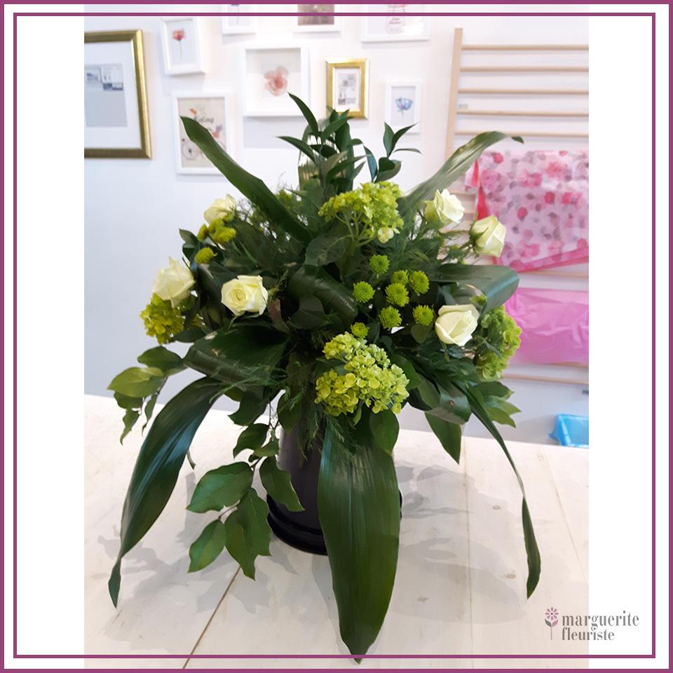 Bouquet de rose, hydrangé et pinocchio
